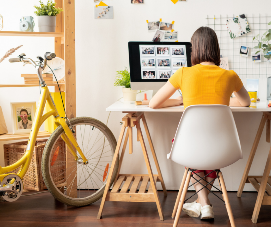 Looking for part time work from home jobs? Check out these 10 companies now hiring part time remote workers, like you!